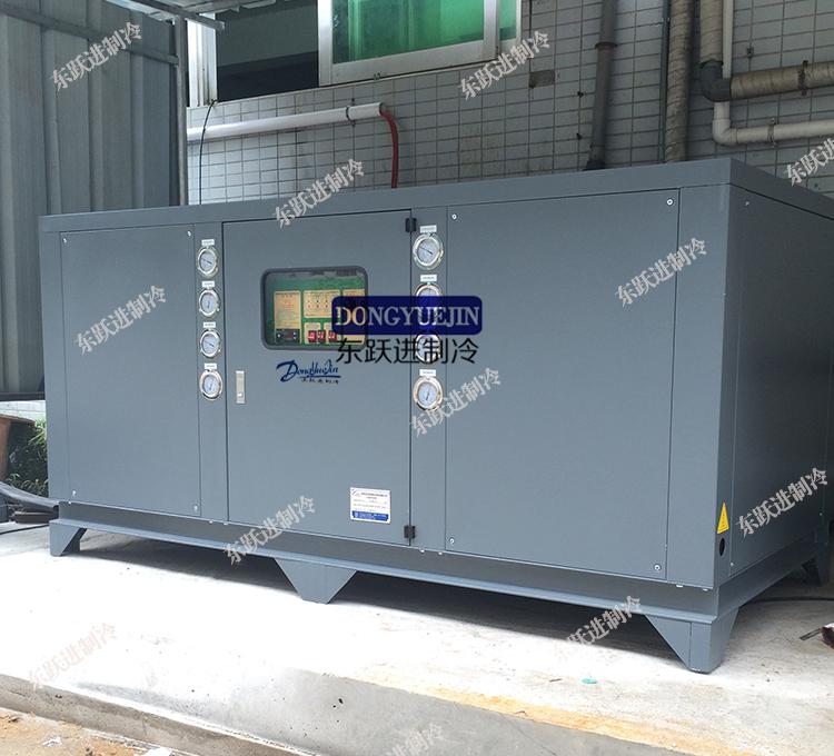 压缩机,为内部高,低压式全封闭结构结构的电动压缩机