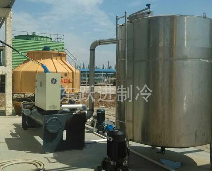 內(na)蒙古(gu)食品廠水冷螺(luo)桿式冷水機應用(yong)案例