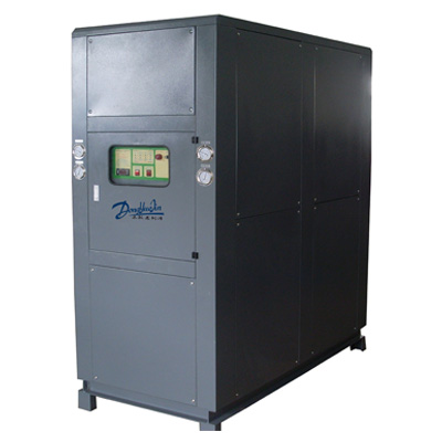 耐酸碱冷水机